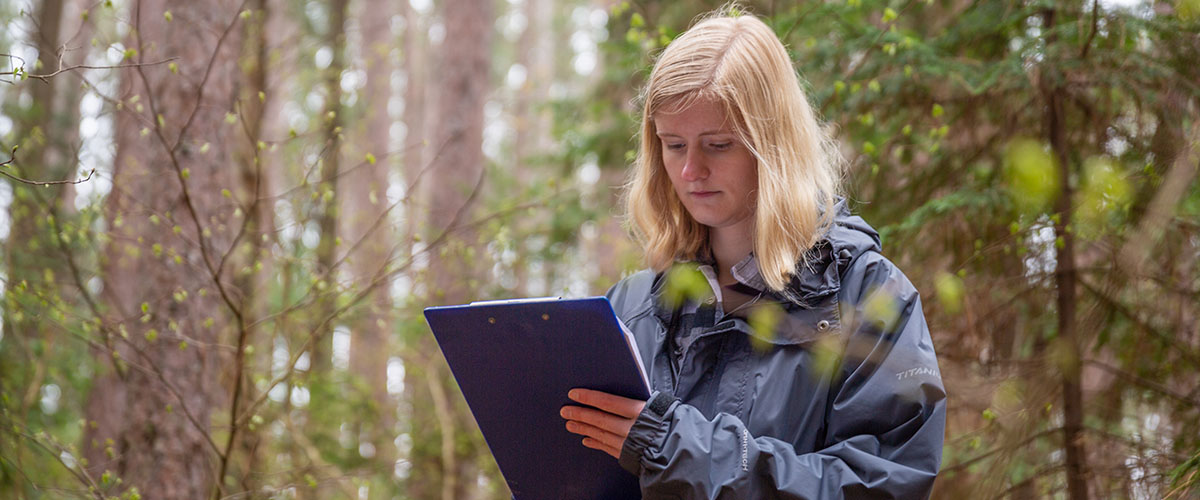 Undergraduate student at the Cloquet Forestry Center taking the course FNRM 4511 Field Silviculture